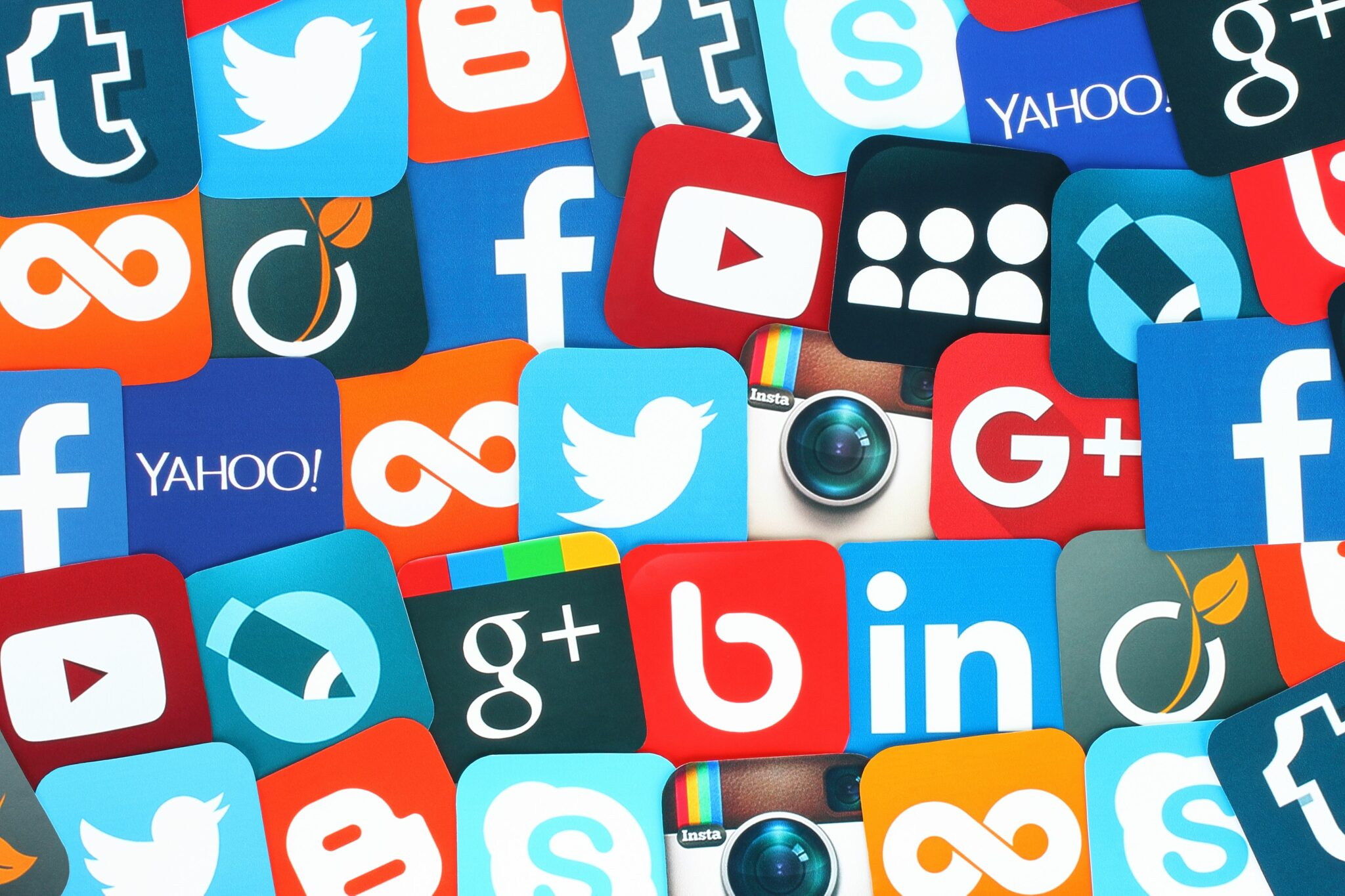 canaux d'acquisition online social media